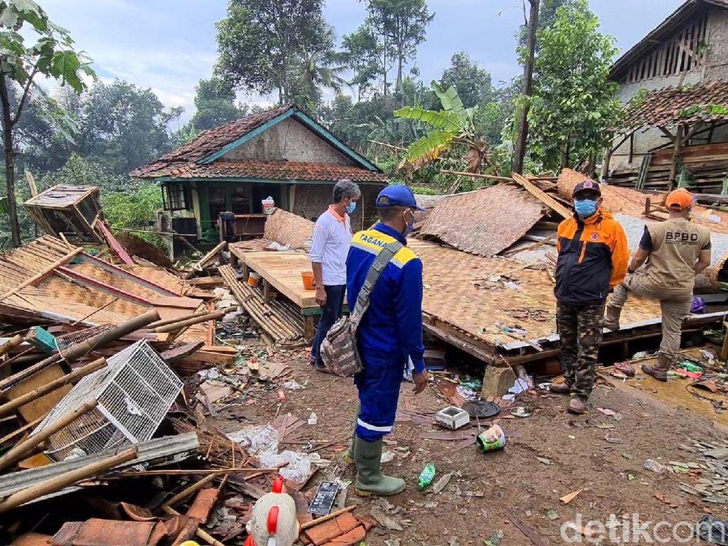 92 Rumah Terdampak Puting Beliung di Sukabumi