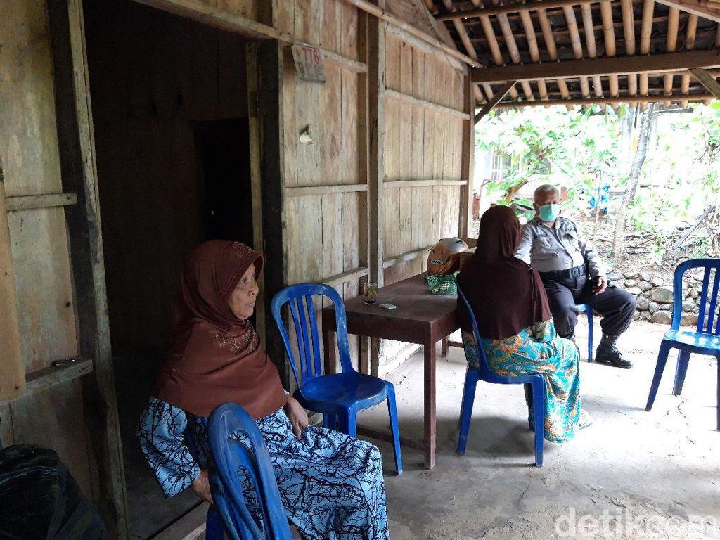 Cerita di Balik Viral Pemotor Bawa Jenazah Ibu di Atas Bronjong