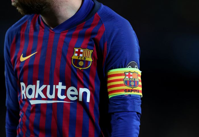 BARCELONA, SPAIN - MAY 01: The captains armband of Lionel Messi of Barcelona during the UEFA Champions League Semi Final first leg match between Barcelona and Liverpool at the Nou Camp on May 01, 2019 in Barcelona, Spain. (Photo by Catherine Ivill/Getty Images)