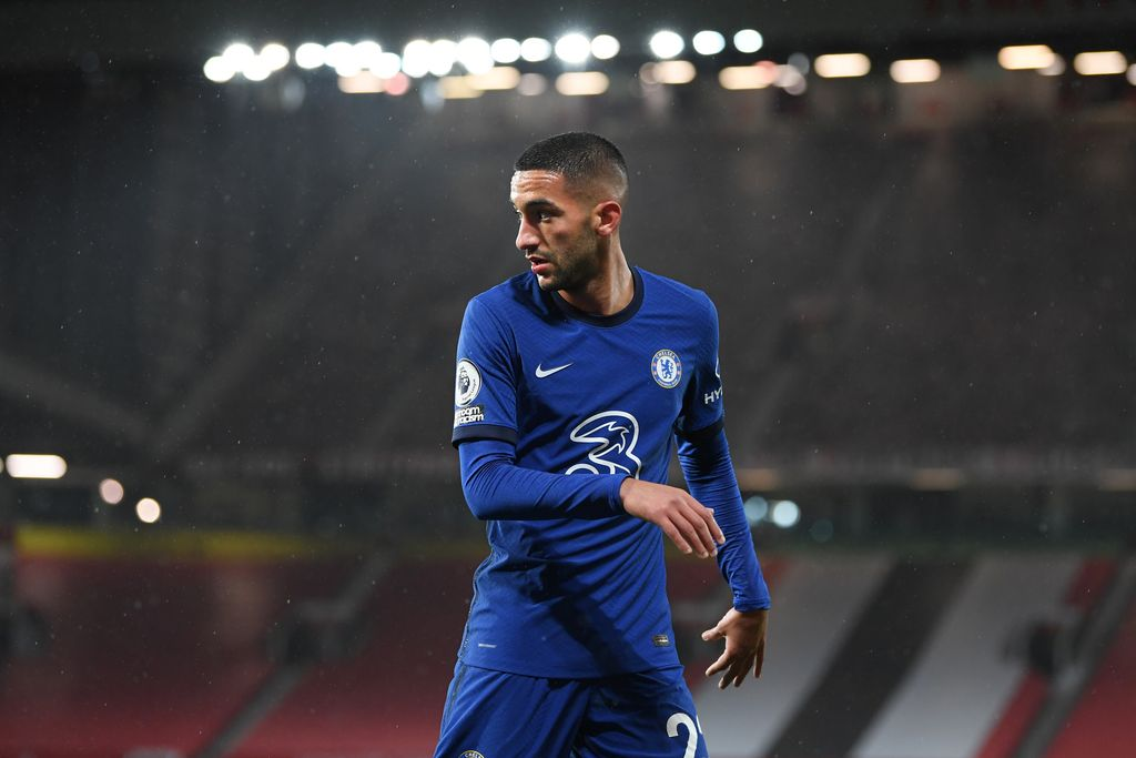 MANCHESTER, ENGLAND - OCTOBER 24: Hakim Ziyech of Chelsea in action during the Premier League match between Manchester United and Chelsea at Old Trafford on October 24, 2020 in Manchester, England. Sporting stadiums around the UK remain under strict restrictions due to the Coronavirus Pandemic as Government social distancing laws prohibit fans inside venues resulting in games being played behind closed doors. (Photo by Michael Regan/Getty Images)