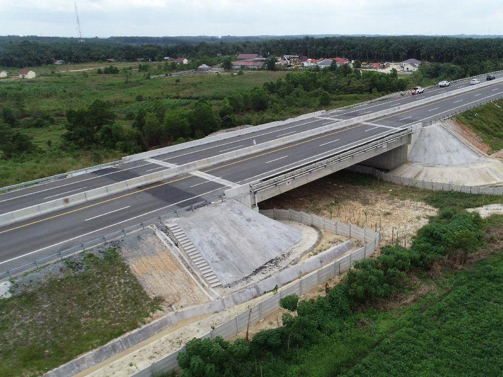 Aduh! Sopir Truk Ngaku Dipalak di Rest Area Tol Trans Sumatera