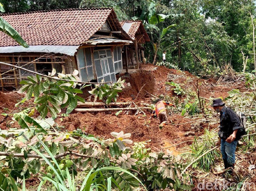 1 Hektare Tanah di Kebumen Gerak dan Ambles Sedalam 3 Meter