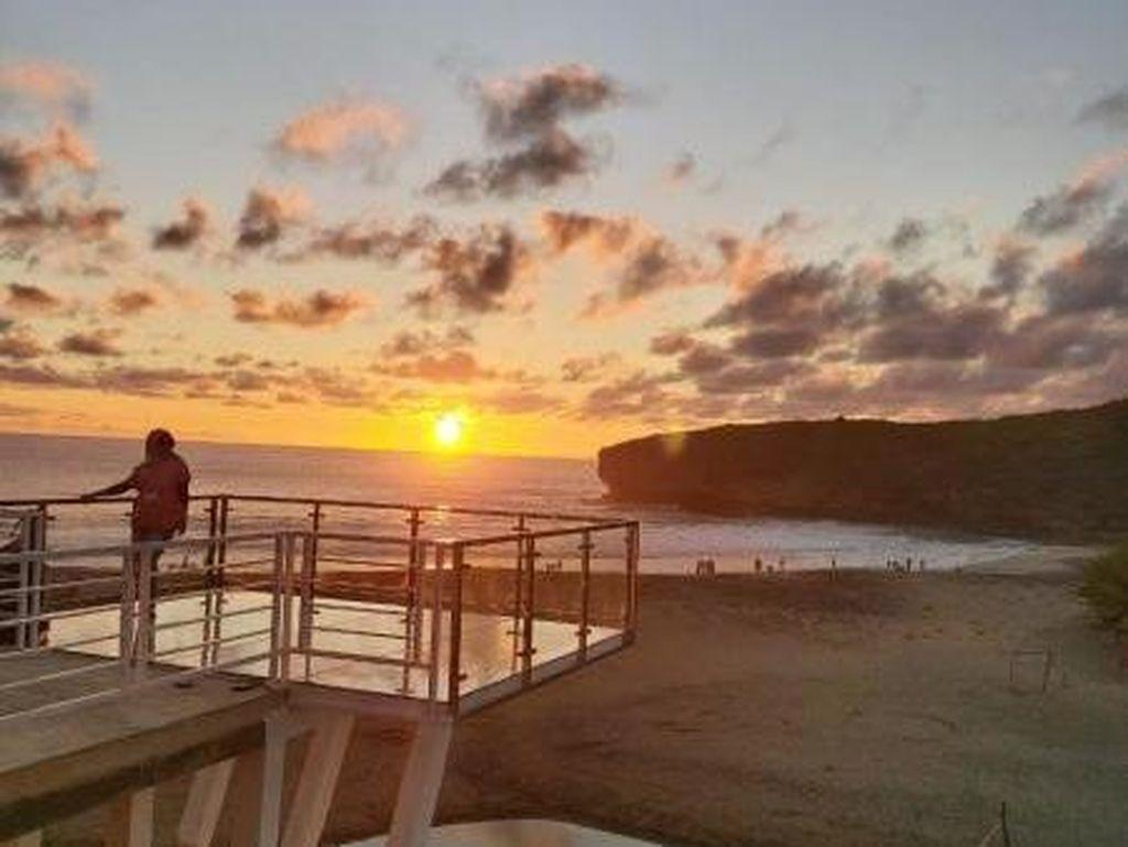 Spot Baru, Ini Tiara Hills Selfie Deck di Pacitan