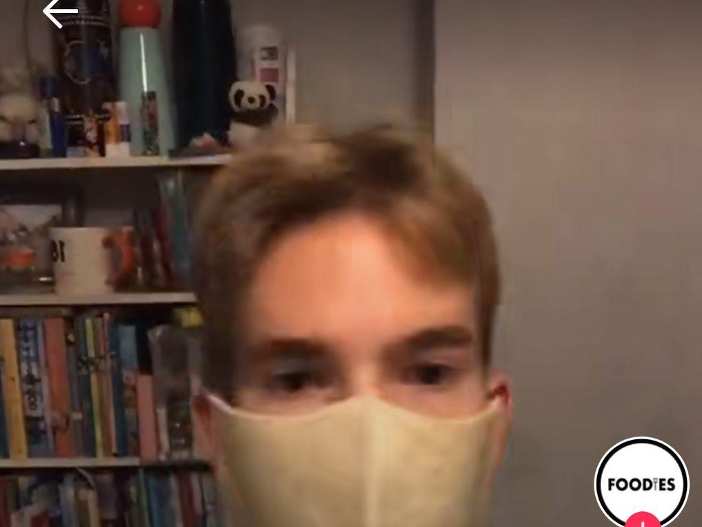 Bikin Masker dari Tortilla, Netizen : Kalau Lapar Bisa Dimakan