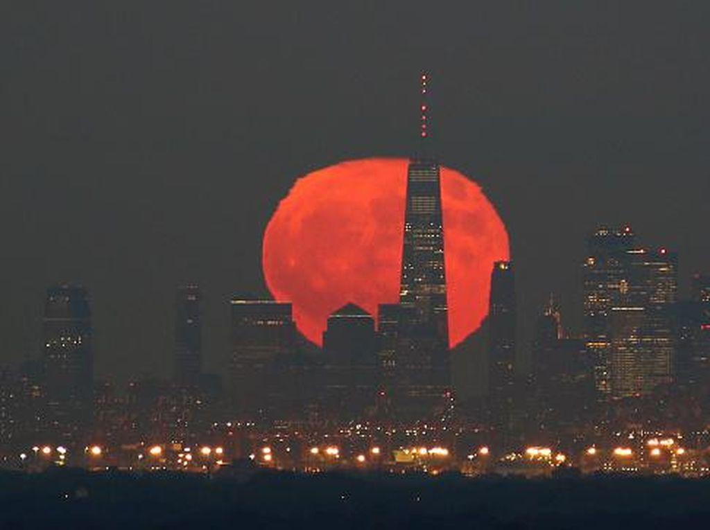 Fenomena Full Hunters Moon Latari Keindahan Kota Manhattan