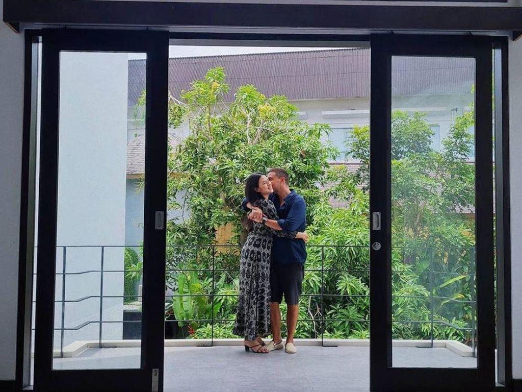 Intip 8 Foto Rumah Baru Raisa & Hamish Daud di Bali yang Desainnya Minimalis