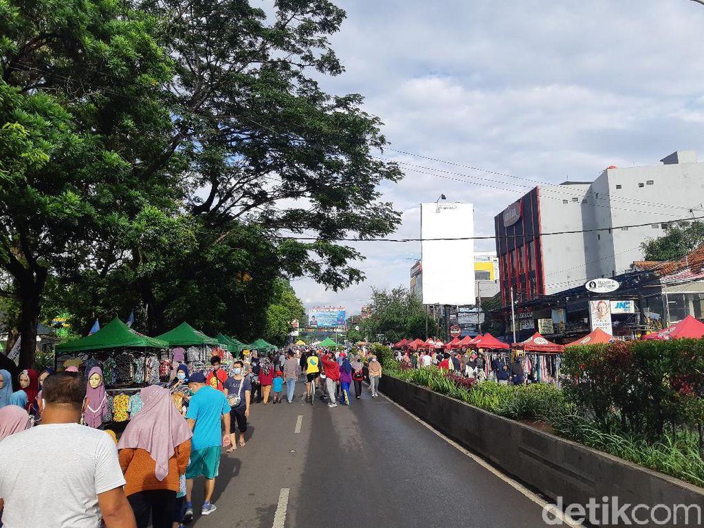 Warga Padati CFD di Masa PSBB Kota Serang