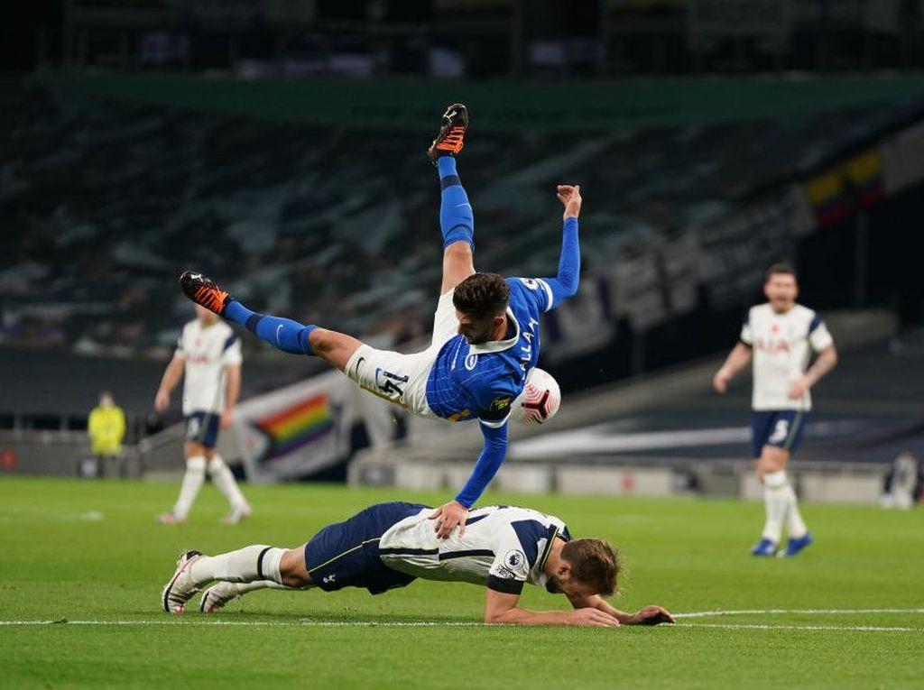 Dianggap Akali Aturan demi Penalti, Kane Membela Diri