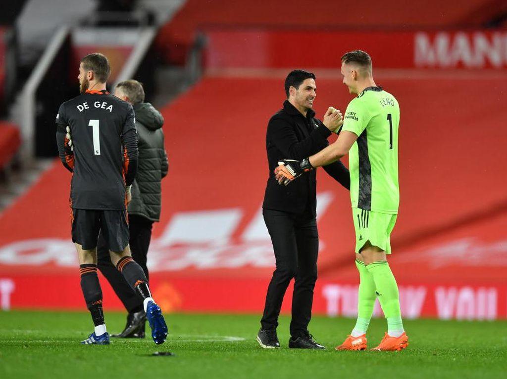 Tumbangkan MU, Arsenal Raih Kemenangan Penting