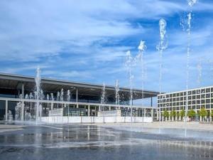 Bandara Terkutuk Berlin Berbiaya 7 M Euro Akhirnya Dibuka