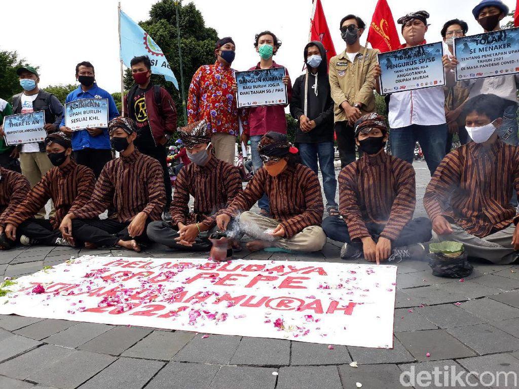 Protes UMP, Buruh Minta Raja Keraton Yogya Nasihati Gubernur DIY