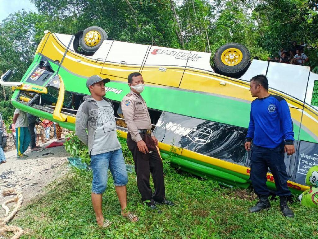 Bus Terbalik di Solok Sumbar, 15 Korban Luka-1 Balita Dirujuk ke Padang
