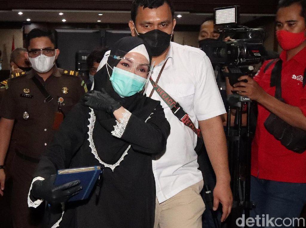 Urusan Operasi Hidung hingga BMW Pinangki Ditanya ke Suami, Apa Jawabnya?