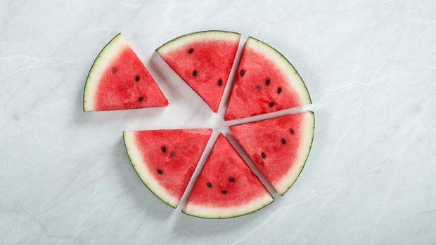 ilustrasi potongan semangka