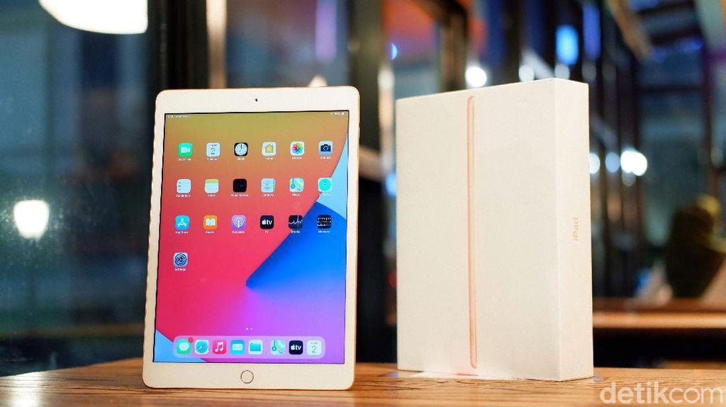 Unboxing iPad 8th Gen, Tablet Murah Apple Berdesain Klasik