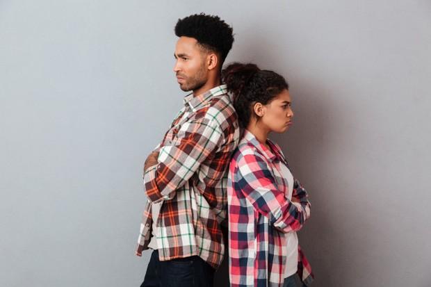 Untuk memiliki hubungan yang langgeng, pasangan tidak hanya harus memercayai kesetiaan.