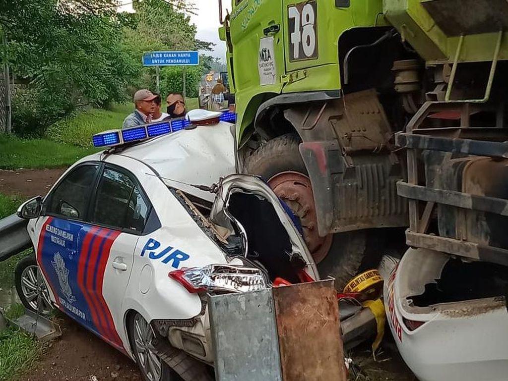 Truk Tabrak Mobil PJR di Tol Tangerang-Merak, Sopir Diminta Serahkan Diri