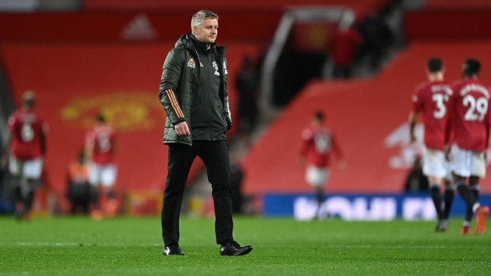 MANCHESTER, ENGLAND - NOVEMBER 01: Ole Gunnar Solskjaer, Manager of Manchester United looks dejected following his teams defeat in the Premier League match between Manchester United and Arsenal at Old Trafford on November 01, 2020 in Manchester, England. Sporting stadiums around the UK remain under strict restrictions due to the Coronavirus Pandemic as Government social distancing laws prohibit fans inside venues resulting in games being played behind closed doors. (Photo by Shaun Botterill/Getty Images)