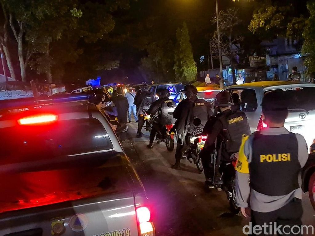 Massa BPPKB Luar Daerah Coba Masuk Sukabumi, Polisi: Kita Sekat-Razia