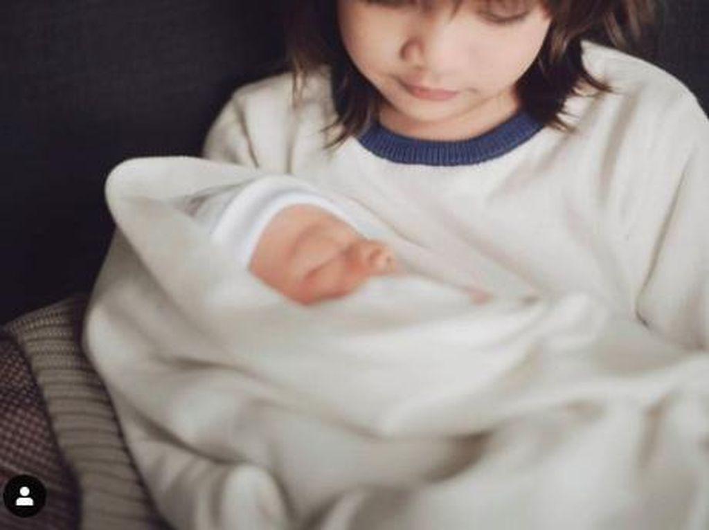 Anak ke-2 Ringgo-Sabai Harus Perawatan Intensif, Kenapa?