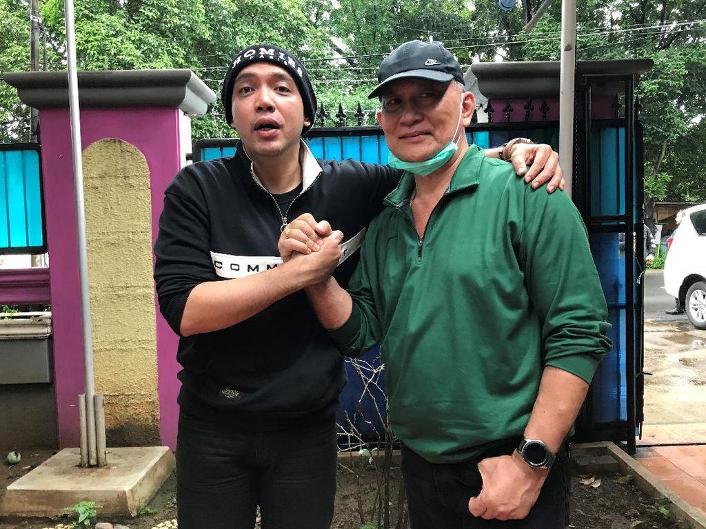 Berseteru karena Disebut Jadi Biang Kerok, Sandy Tumiwa Berdamai dengan Ayah