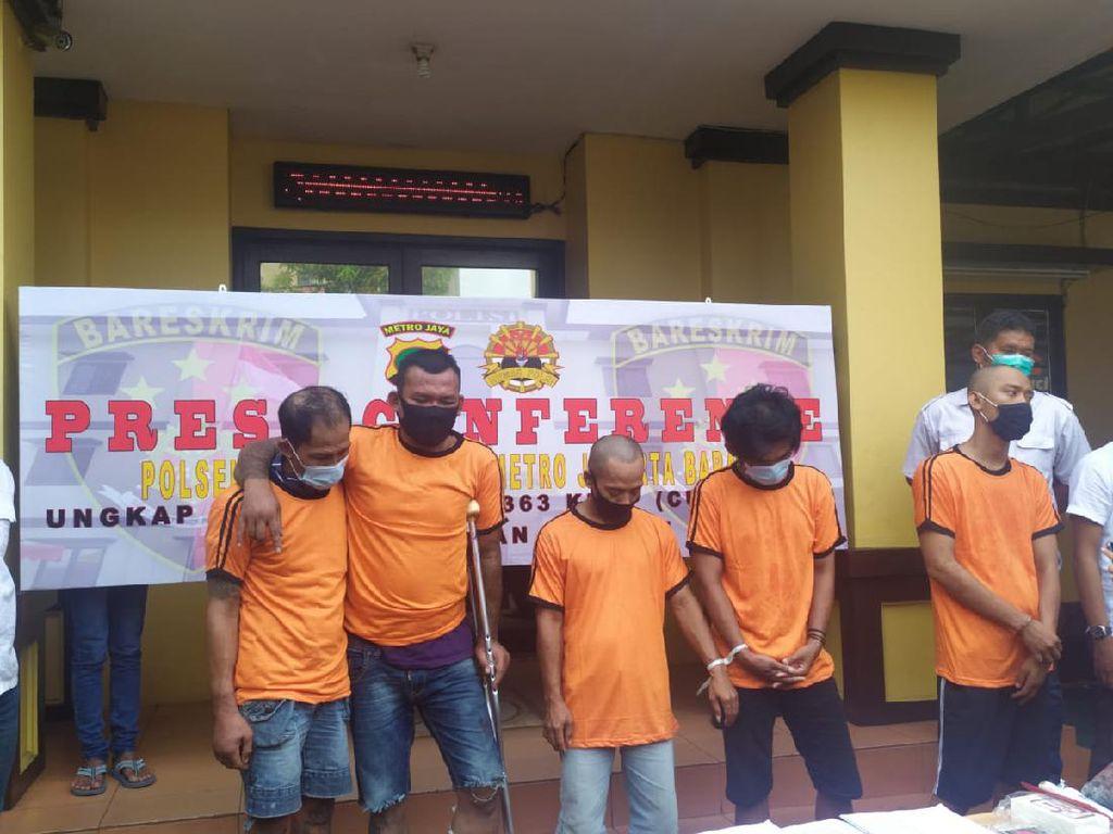 Penjambret di Flyover Angke Jakbar Ditangkap, 30 Unit Ponsel Disita