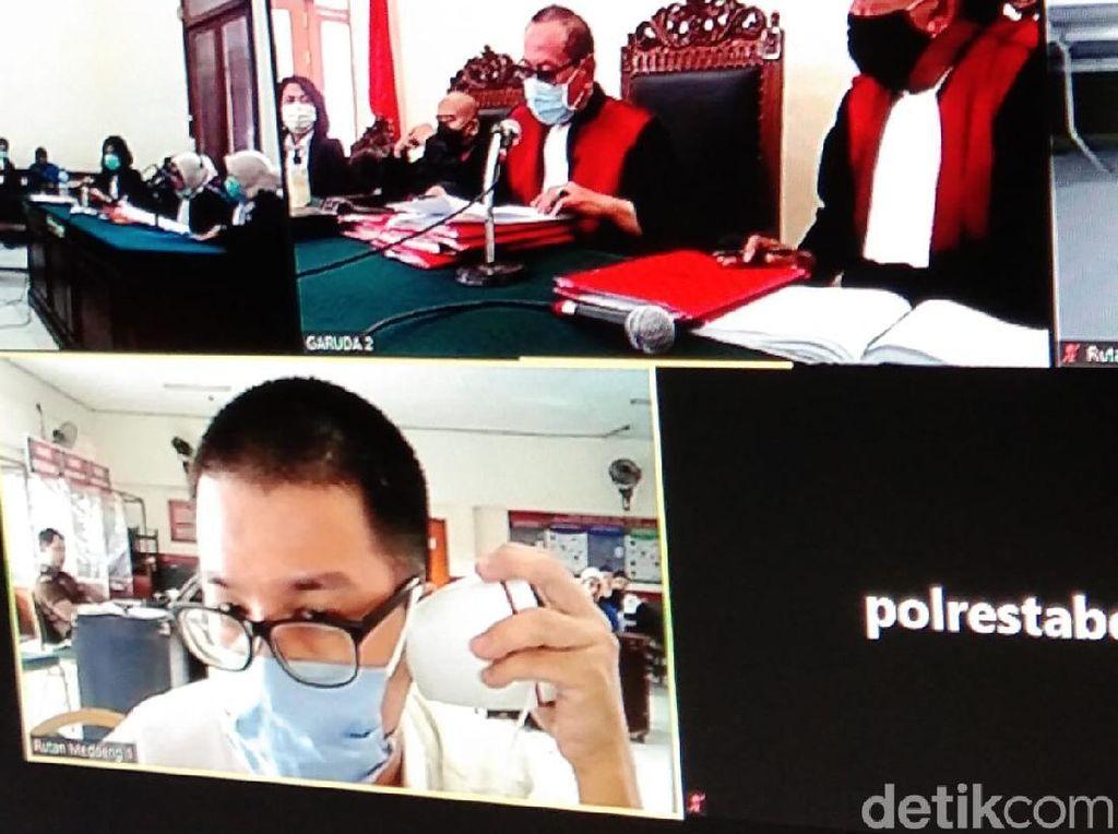 Guru SD di Surabaya yang Cabuli 8 Muridnya Divonis 10 Tahun Penjara
