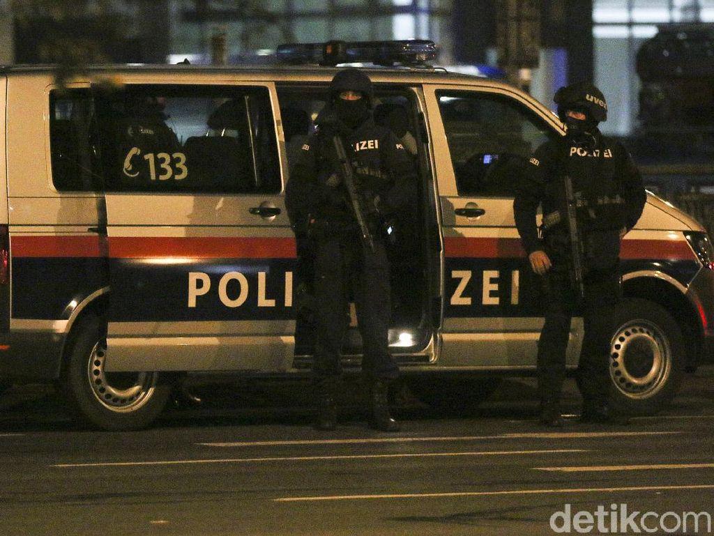 Penembakan di Wina, Macron: Musuh Harus Tahu dengan Siapa Mereka Berhadapan