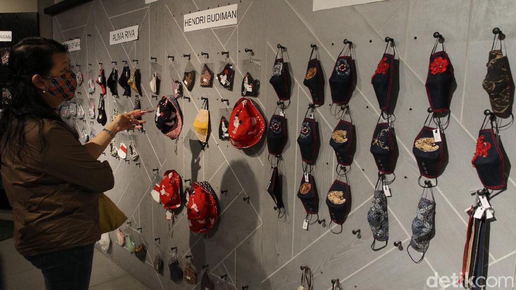 Ratusan Desain Masker Unik Mejeng di Pameran Masker Indonesia
