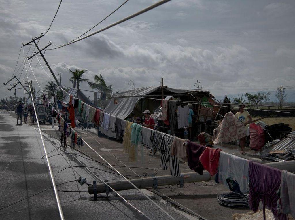 Potret Sisa-sisa Terjangan Topan Ganas di Filipina