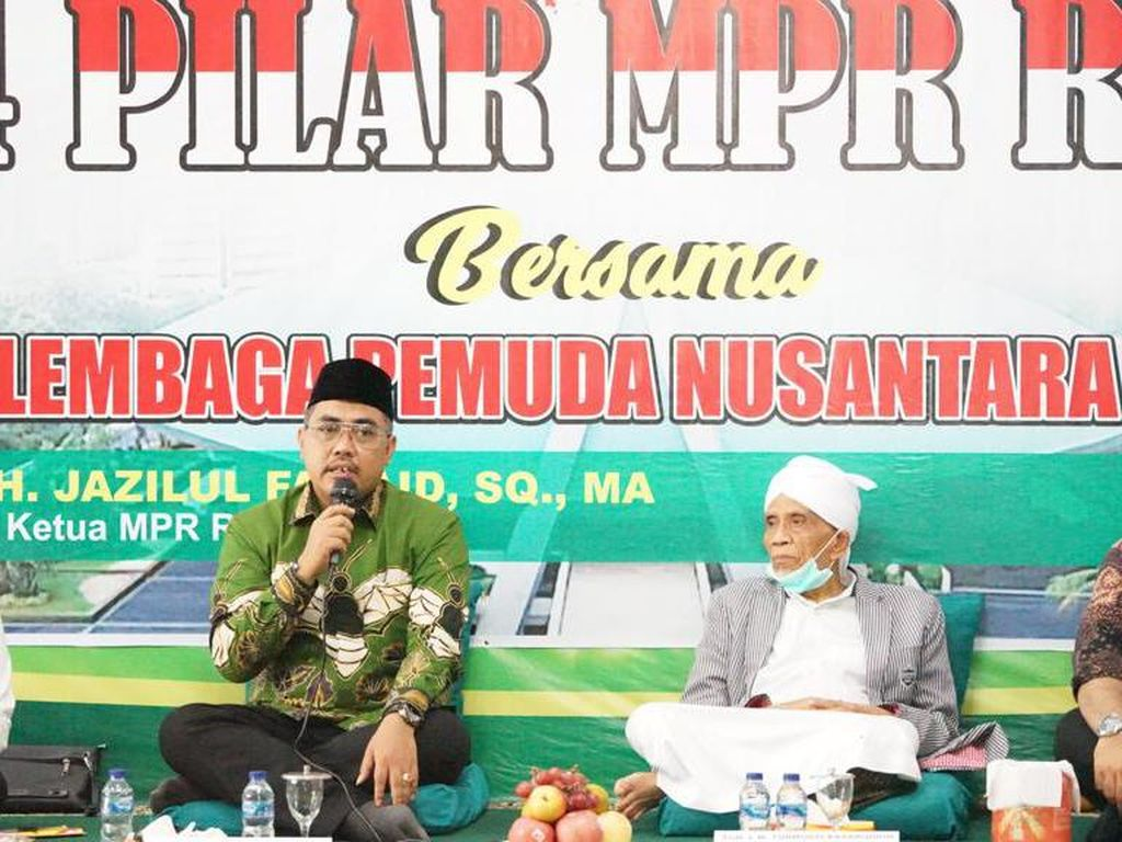 MPR Dorong Santri Kuasai Iptek untuk Tampil ke Pentas Nasional