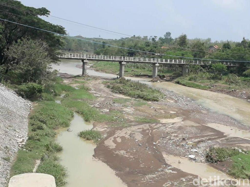 Hutan di Hulu Rusak, Sungai Babakan Brebes Berpotensi Banjir Bandang