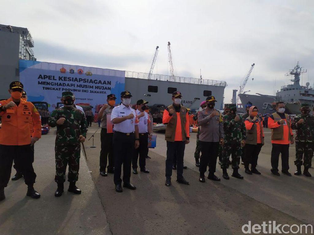 Anies Pimpin Apel Kesiapsiagaan Hadapi Musim Hujan di DKI Jakarta