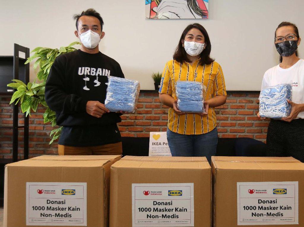 Donasi Ribuan Masker Kain untuk Cegah COVID-19