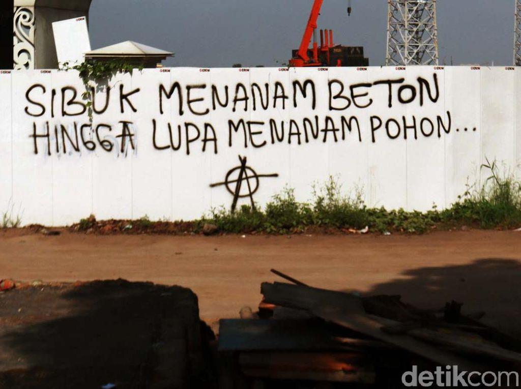 Grafiti Ini Sindir Pembangunan di Bandung