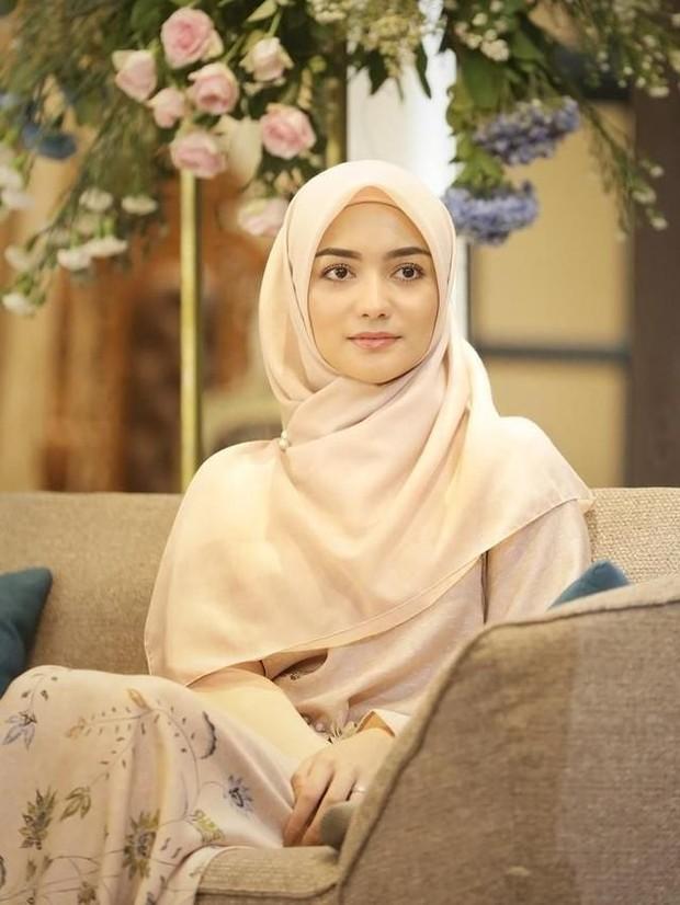Hijab pendek