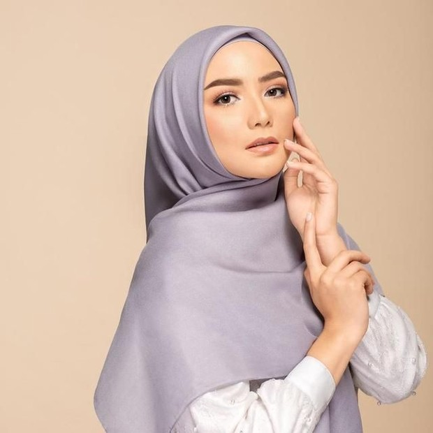 Hijab simpel