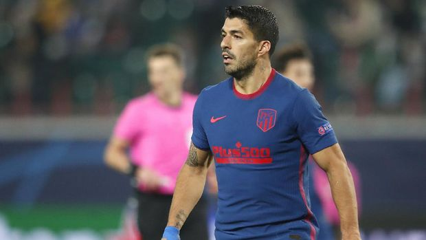 Atletico Madrid's Luis Suarez during the Champions League Group A soccer match between Lokomotiv Moscow and Atletico Madrid in Moscow, Russia, Tuesday, Nov. 3, 2020. (Maxim Shemetov/Pool via AP)