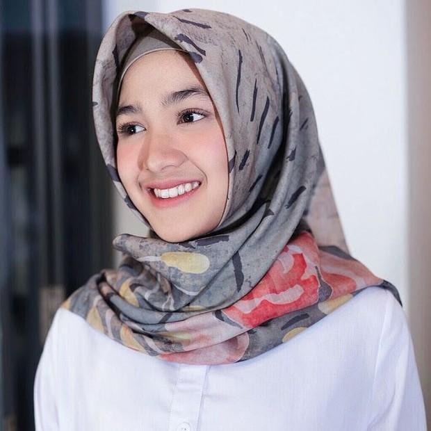 Ilustrasi hijab minim aksesoris