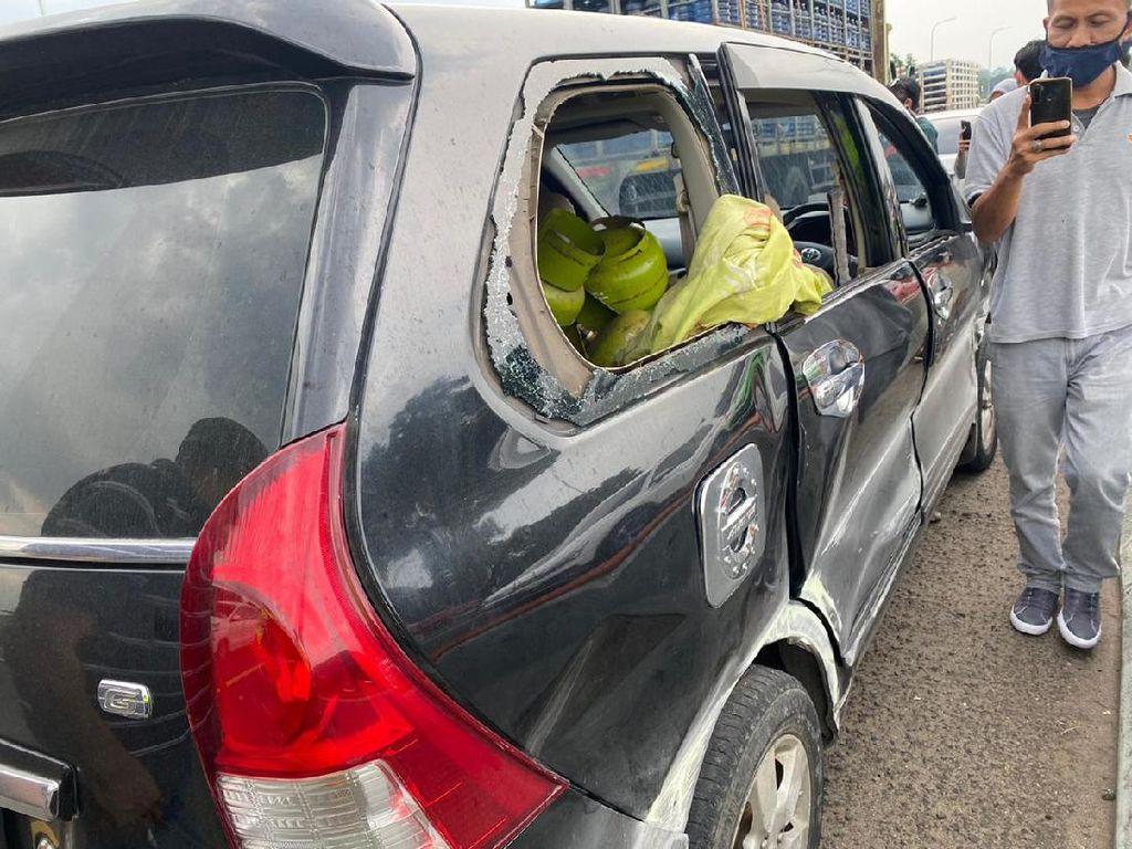 Pemobil Bawa 50 Tabung Gas Picu Kecelakaan di Tol Jagorawi Tak Ditilang