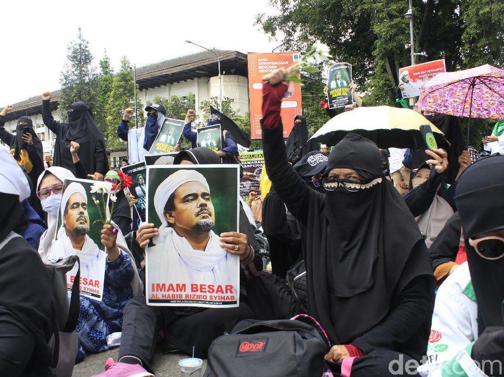 Sambut Kepulangan Habib Rizieq, Ormas Islam Bandung Gelar Rapat Besar