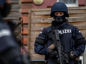 Austria Lancarkan Razia dan Tangkap 14 Orang Usai Penembakan di Wina