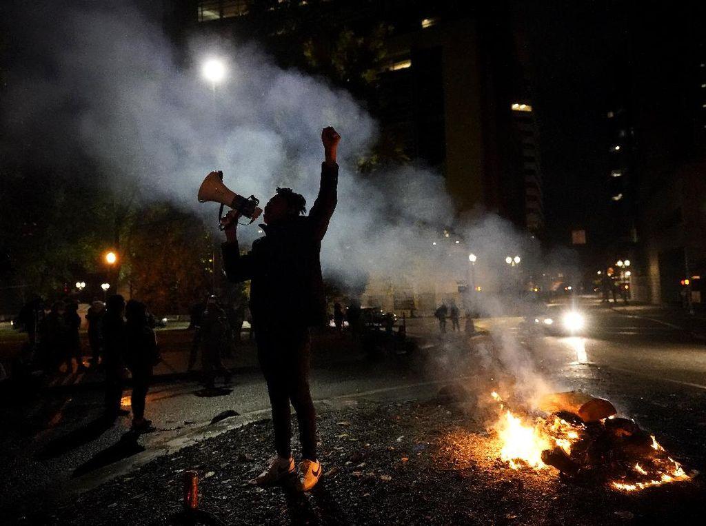 Polisi vs Demonstran Jelang Penghujung Pilpres AS Tak Terhindarkan