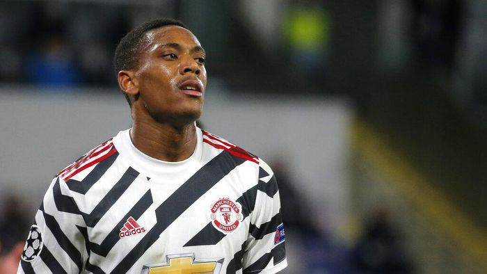 Manchester Uniteds Anthony Martial reacts after a missed scoring opportunity during the Champions League group H soccer match between Istanbul Basaksehir and Manchester United at the Fatih Terim stadium in Istanbul, Wednesday, Nov. 4, 2020. (AP Photo)
