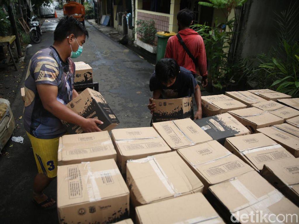 Pemerintah Klaim Bansos Selamatkan 3,43 Juta Orang dari Kemiskinan