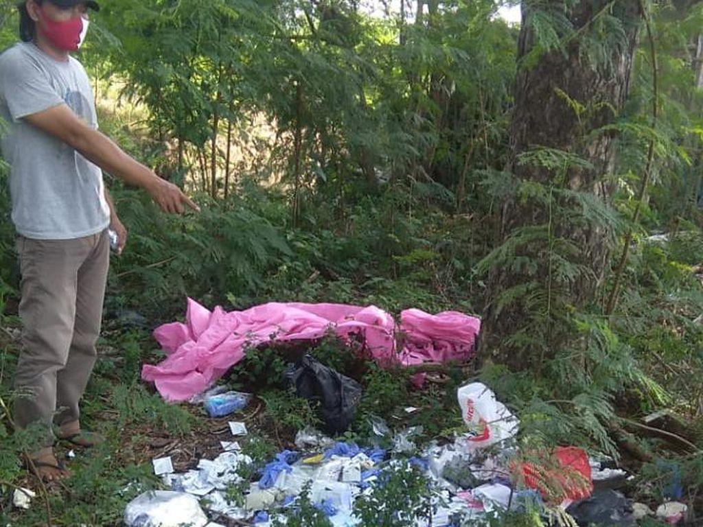 Limbah Medis Diduga Bekas Tes COVID Dibuang di Pinggir Jalan di Bekasi