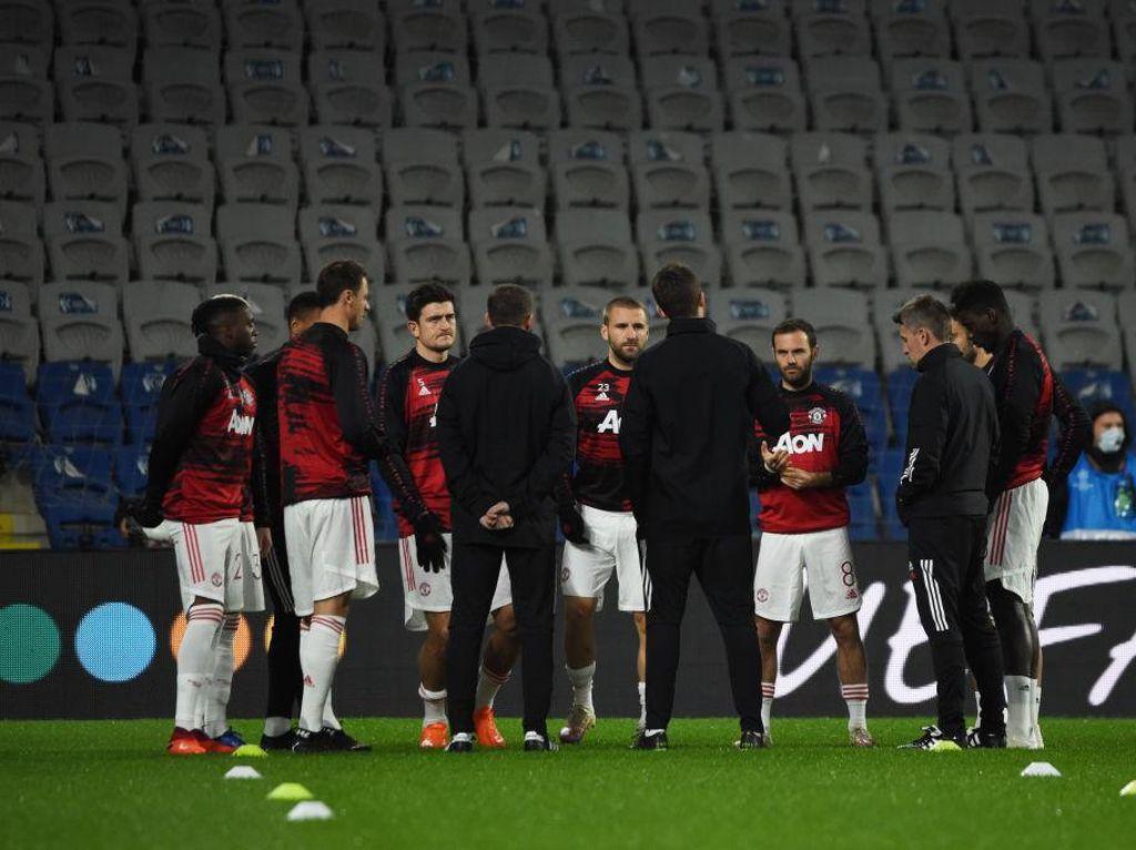 Rio Ferdinand: MU Juara Musim Ini? Sepertinya Tidak