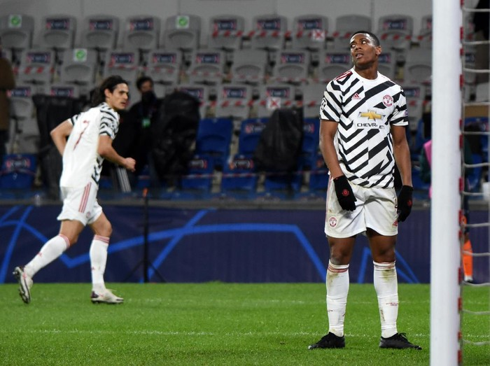 ISTANBUL, TURKEY - NOVEMBER 04: Anthony Martial of Manchester United reacts during the UEFA Champions League Group H stage match between Istanbul Basaksehir and Manchester United at Basaksehir Fatih Terim Stadyumu on November 04, 2020 in Istanbul, Turkey. Sporting stadiums around Turkey remain under strict restrictions due to the Coronavirus Pandemic as Government social distancing laws prohibit fans inside venues resulting in games being played behind closed doors. (Photo by Burak Kara/Getty Images)