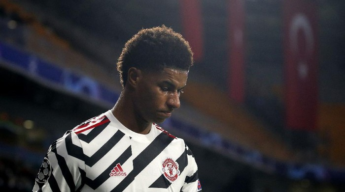 Manchester Uniteds Marcus Rashford walks off the pitch after being substituted during the Champions League group H soccer match between Istanbul Basaksehir and Manchester United at the Fatih Terim stadium in Istanbul, Wednesday, Nov. 4, 2020. (AP Photo)