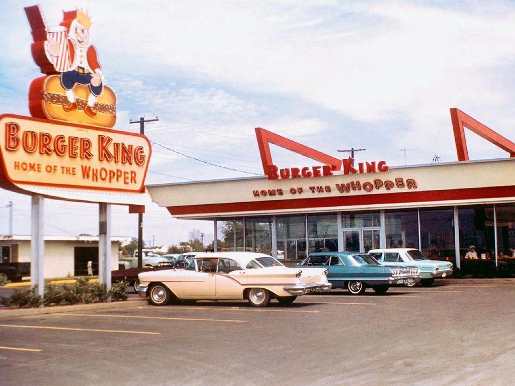 Pelanggan Diminta Makan di McD dan Warteg, Ini Fakta Sejarah Burger King